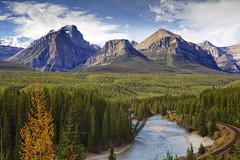 Banff at Morant's curve (John Andersen (JPAndersen images)) Tags: mountains alberta banff rockymountains geology cpr bowriver templemountain cambrian morantscurve