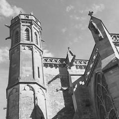 Carcasonne (ghatiso) Tags: tower frank blackwhite frankreich schwarzweiss turm burg carcasonne iphone