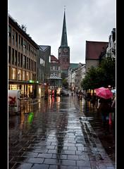 252-UNA TARDE PASADA POR AGUA-  LBECK - (Alemania) (-MARCO POLO-) Tags: lluvia edificios atardeceres