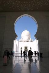 A fairy tale of 1001 nights (Iam Marjon Bleeker) Tags: verenigdearabischeemiraten abudhabi desheikhzayedgrandmosque sheikhzayed mosque afairytaleof1001nights blue gold dag6md0c3869g