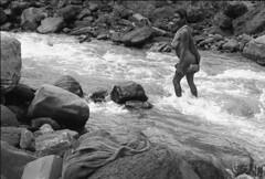 album2film172foto027 (Melanesian cultures) Tags: baliem baliemvallei sibil sibilvallei josdonkers eranotali wisselmeren papua irian jaya nieuwguinea ofm franciscanen minderbroeders missionaris
