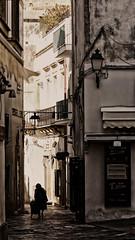 IMG_0594 (mazzottaalessandra) Tags: otranto italy salento contrasto contrast canon teleobiettivo camminare camminando walking person ombre light luci sole mattina morning centro storico vicolo strada urban city life everyday