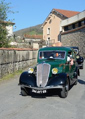 Renault, Celtaquatre (France, 1934) (Cletus Awreetus) Tags: voitureancienne automobile car vintage voituredecollection france renault celtaquatre voiture collection vert