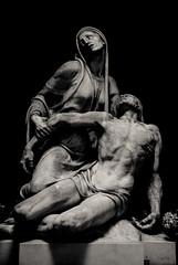 Pain (Frederique Triffaux) Tags: statues pentaxart cimetiere pentaxk10d staglieno cimiteromonumentaledistaglieno monochrome blackandwhite bw