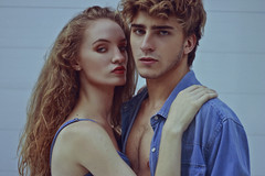 Natana and Giovani (TheJennire) Tags: photography fotografia foto photo canon camera camara colours colores cores light luz young tumblr indie teen people portrait models face greeneyes blue denim jeans look couple boy girl blonde fashion newface 50mm