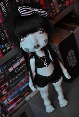 New looks for Humpty (Mientsje) Tags: circus kane humpty nefer green blauw resin bjd ball jointed doll artist dumpty cute gothic toy yosd