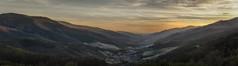 El valle se viste de blanco. (Amparo Hervella) Tags: valledeljerte extremadura españa spain paisaje panorámica cerezos naturaleza atardecer d7000 nikon nikond7000 comunidadespañola nube