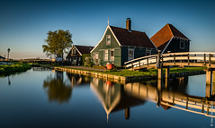 Catharina Hoeve - Zaanse Schans (NL) (Henk Verheyen) Tags: lente nl nederland netherlands spring zaanseschans zaanstad buiten landscape landschap molen outdoor windmill windmolen le long exposure lee big stopper catharina hoeve 7dwf