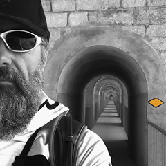 todays destination @ Viaduc du Day (Le Day, VD) (Toni_V) Tags: leday iphone me selfie square sep2 silverefexpro2 viaducdeday viadukt blackwhite monochrome bw schwarzweiss waadt waadtland switzerland schweiz suisse svizzera svizra europe hiking wanderung ©toniv 2017 170408 selectivecolors colorkey wanderweg trail perspective architecture bridge