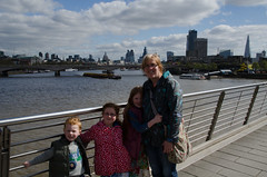 RJB_5848 (Snoop Baggie Bag) Tags: 2017 amélie ezra london londonskyline mommy stpaulscathedral theshard éowyn