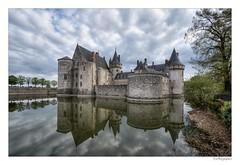Château de Sully-sur-Loire (JG Photographies) Tags: loire moyenâge canon7dmarkii jgphotographies hdr médiévale douve château sullysurloire centrevaldeloire loiret french france hdrenfrançais