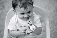 Portrait Ocane (OMM.photographie) Tags: blackandwhite bw baby monochrome canon eos blackwhite kid noiretblanc nb 5d canon5d enfant bb noirbanc canon5dmarkiii