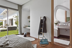 chambre  coucher avec salle de bain - Casadiaa (Villas de plain-pied) Tags: maroc casablanca pieds plain villas luxe immobilier bouskoura luxuryestate casadiaa