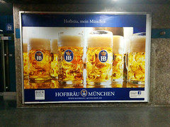 Goldig (Peeping Thom) Tags: beer germany munich münchen deutschland gold golden mas ad bier mass werbung hb liter krug hofbräu