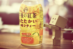 IMG_8573 (vovka43rr) Tags: anime japanese robot amazon box manga hobby cardboard domo kawaii akihabara kaiyodo photooftheday picoftheday kotobukiya yotsuba danbo toyphotography revoltech danboard cardbo toyography vovka43r toystagram danbothetraveler