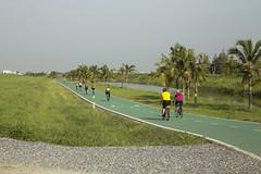 Cycle Track at Suvarnabhumi Airport, Bangkok (Mikael Colville-Andersen) Tags: bike bicycle project thailand cycling airport bangkok families racing planning facility visionary kingpower suvarnabhumi siamcommercialbank superjeew