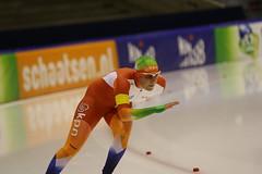 A37W1326 (rieshug 1) Tags: heerenveen schaatsen speedskating thialf knsb trainingswedstrijd merkenteams eissnelllauf
