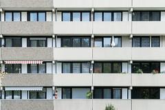 boxed lifes (Schub@) Tags: life architecture apartment flat box g sony suburbia e architektur suburb alpha boxed f4 hochhaus pz oss wohnen nex badenwürttemberg wohnungen vorort 18105mm remsmurrkreis a6000