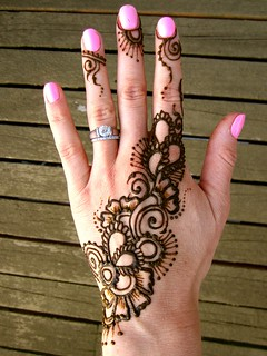 Jewelry gulf style henna