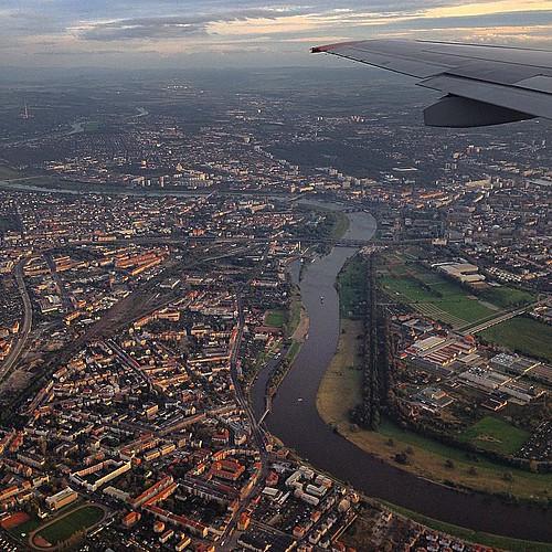 Сухой суперджет - нормал самолет. А на фото - Дрезден