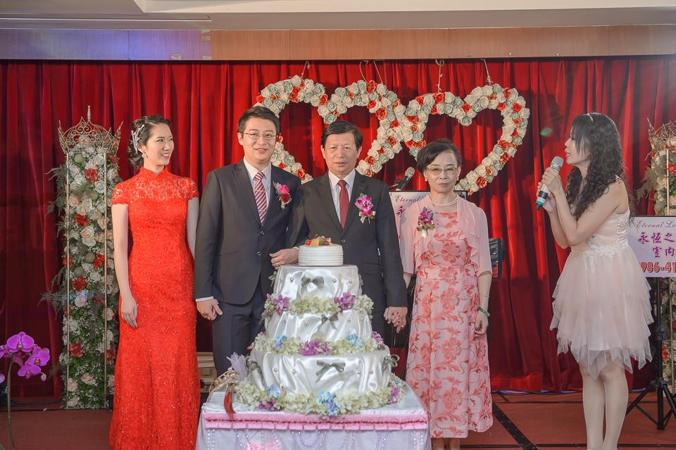 15456354919 f34ea01287 o [台南婚攝]J&W/永華富霖餐廳