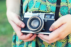 Olympus 35 SP (lispon) Tags: camera sun color verde green textura love girl vintage lens photography photo picture olympus lovely lente tecido lispon