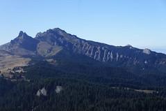 Vârful Ciucaș văzut din șaua Gropșoarele