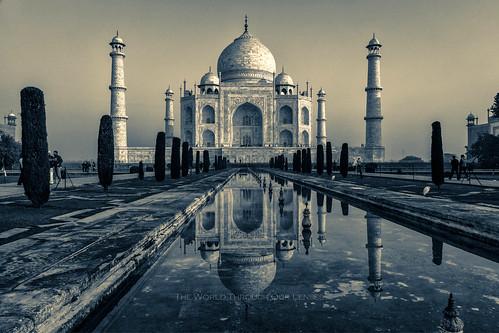 morning india monochrome asia tajmahal agra... (Photo: Pawel A K on Flickr)