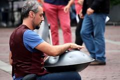 Un uomo e il suo strumento (Ondeia) Tags: musician music playing man uomo musica movimento bergamo ritratto strano bellezza musicista stupore suonare umanità strumento