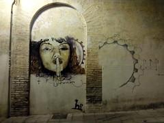 Shhhhhhh! (Landahlauts) Tags: sex graffiti andaluca europa europe grafiti andalucia granada andalusia barrio elniodelaspinturas andaluz unioneuropea alandalus arteurbano realejo    andaluzja   andaluzio                     andalusiya
