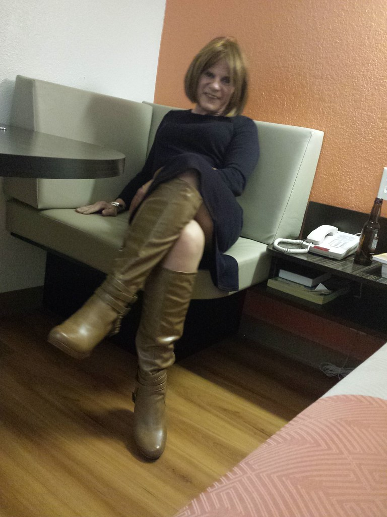 boots transvestite