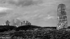 Ruines Semaphore - Landunvez Kerhoazoc (patrick_milan) Tags: sky ciel drama cloud nuage wreck destroyed broken abandon oublié forgotten ruin ruine decay old house castel chateau vieux landunvez
