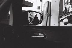 Sabrina (Gwenaël Piaser) Tags: luxembourg january 2017 unlimitedphotos gwenaelpiaser konicahexaraf konicahexar konica hexar analog photography argentique 135 24x36 fullframe compact pointandshot hexanon35mmf20 hexanon 35mm ilford delta 3200 ilforddelta3200 negative film negatif 3200iso iso3200 3200asa wb nb bw blackandwhite noiretblanc monochrome portrait grain retro mirror retroviseur car voiture reflections belleétoile 1000
