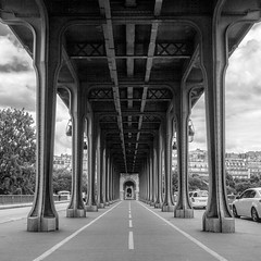 Pont Bir Hakeim, Paris, France (pas le matin) Tags: bw nb blackandwhite noiretblanc monochrome perspective city ville architecture urban capital paris france europe europa travel voyage cityscape world pont bridge pontbirhakeim birhakeim canon 5d canon5d canon5dmkiii 5dmkiii eos5dmkiii canoneos5dmkiii
