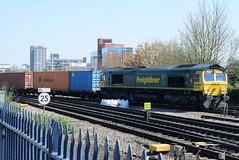 66571 @ Basingstoke (ianjpoole) Tags: freightliner uk 66571 working 4o29 crewe basford hall ssm southampton mct