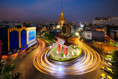 Odean circle china town (Patrick Foto ;)) Tags: 15 architecture asian august avenue bangkok blur business car celebration china chinatown church circle circus city commemoration culture district effect evening gate island king landmark light motion movement night odean outdoor pagoda road rotary round roundabout sky square street technique temple thailand tourism town traffic transportation travel turning twilight vehicle krungthepmahanakhon th