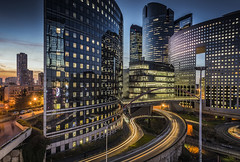 Urban reflections (Sizun Eye) Tags: ladéfense skyscrapers buildings modern night lighttrails longexposure hautsdeseine iledefrance puteaux nanterre sizuneye nikond750 d750 nikon nikkor nikkor1424mmf28 nikon1424mmf28 1424mm uga poselongue bluehour