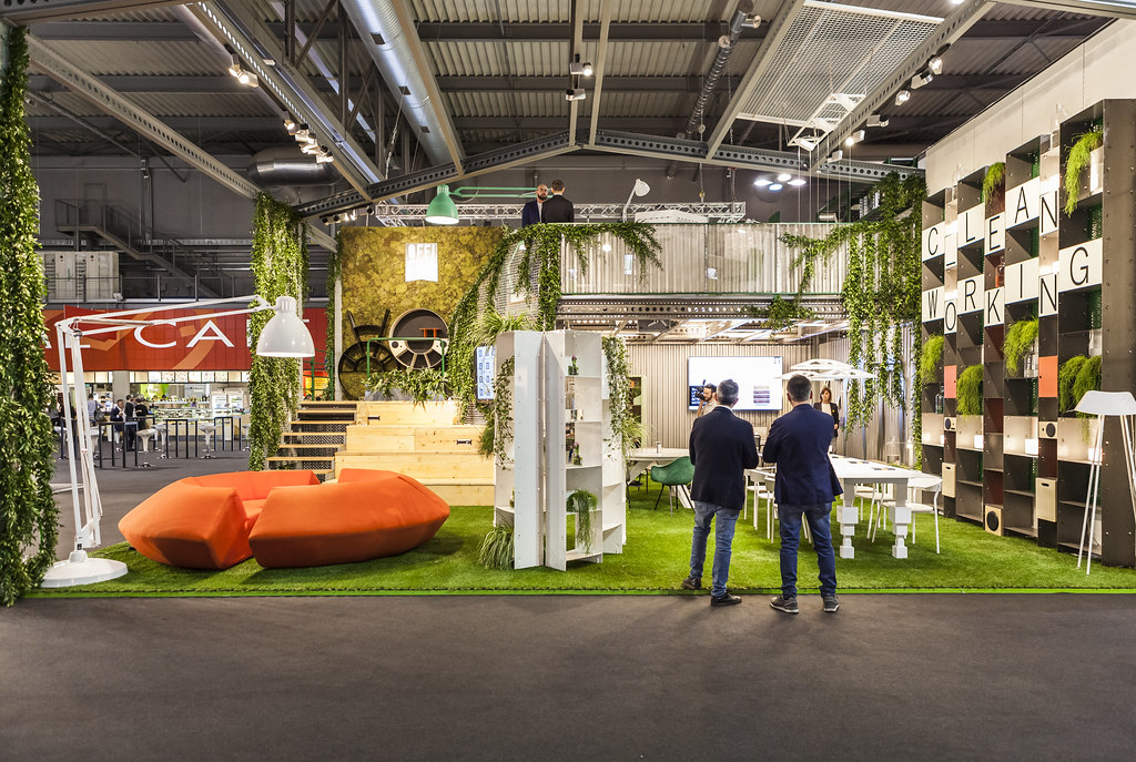 Mediagallery salone del mobile milano for Furniture expo