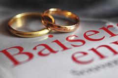 Flickr Friday. Synecdoche : amour éternel (ou mariage) (jjcordier) Tags: flickrfriday synecdoche amour mariage alliance baiser