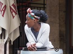 Cape Town (jan-krux photography - thx for 2 Mio+ views) Tags: capetown westerncape southafrica kapstadt suedafrika westkap people leute menschen frau afrika afrca women olympus omd em1mkii street streetphotography strasse alltag daily explore inexplore