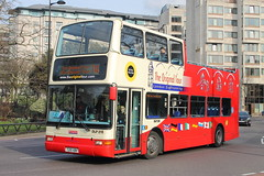 DLP215 T215 XBV (ANDY'S UK TRANSPORT PAGE) Tags: buses london sightseeingbuses hydeparkcorner originallondonsightseeingtour ratp
