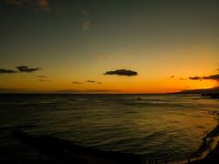 Sunset over Waikiki Beach, Honolulu (yourusacityguide.com) Tags: beach synset sunset hawaii waikiki oahu honolulu sea ocean paradise honeymoon waikikibeach