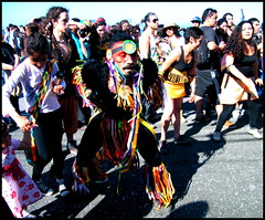 (Mylouchka) Tags: valparaiso cuerpospintados baile miltambores