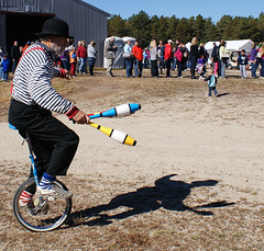 Juggler and his shadow (toledonative) Tags: autumn red fall ma massachusetts harvest newengland cranberry cranberries warehamma cranberryharvestfestival