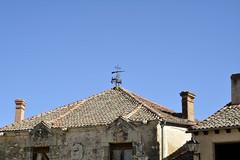 Tejados (vcastelo) Tags: plaza españa spain mayor pueblo medieval segovia villa farol león tejados pedraza chimenea castilla veleta escudos amurallada
