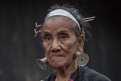 Arunachal Pradesh, Changlang : Mishmi tribe #46 (foto_morgana) Tags: portrait people india outdoors asia character traditional ethnic portret ethnicity traditionalculture earplug olderwoman minorities mishmi etnia traditionnel arunachalpradesh persoonlijkheid karakter traditioneel nomodelrelease ethnie caractère minderheden travelexperience lohitvalley editorialonly etniciteit mijimishmi