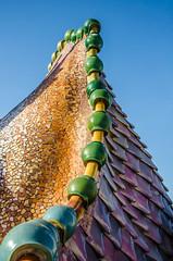 Telhado de drago (Gonzalo Ribas) Tags: barcelona de la casa spain espanha manzana maria modernism joan paseo gaud modernismo antoni 43 n discordia batll rubi josep passeigdegrcia jujol grcia