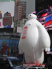 Baymax  Balloon Big Hero 6 Times Square 2014 NYC 0674 (Brechtbug) Tags: new york city nyc 6 moon man anime guy film car yellow computer movie poster square robot big rat day character cartoon ad balloon puff police astronaut disney parade marshmallow hero animation type strike macys times friday cabs six michelin android stay cosmonaut droid androids 2014 puft 11072014 baymax