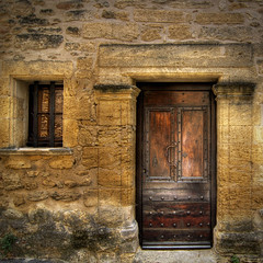 door wood france castle texture window vintage roman decay creativecommons shutter limestone porte provence chateau francia hdr vaucluse ansouis lesplusbeauxvillagesdefrance provencealpescôtedazur frenchvillage frenchvillages salvabarbera decar66 portesduluberon