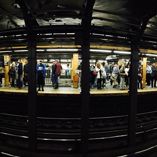 Saturday evening at 34 Street - 1/2/3 Train